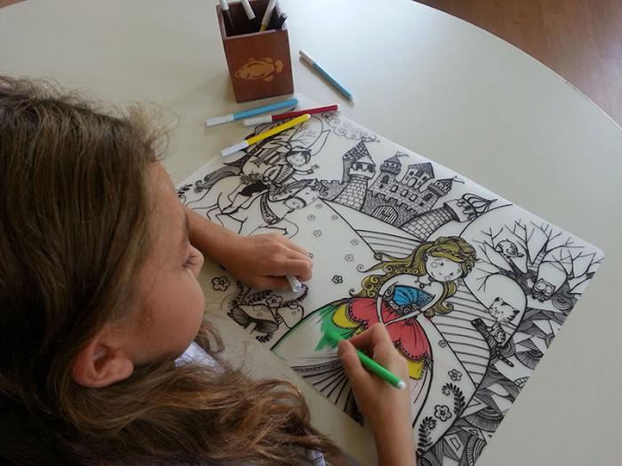 Promo Plansa desen de colorat reutilizabila - printul si printesa, Carioca. 3