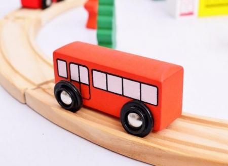 Circuit de jucarie din lemn, cu masinute4