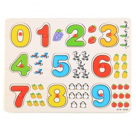 Joc puzzle incastru cu cifre din lemn multicolor.1