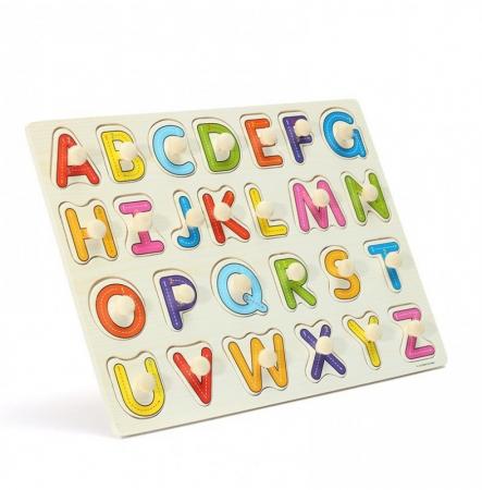 Joc puzzle incastru cu maner din lemn cu litere.