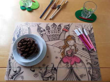 Pachet PROMO: Plansa de colorat reutilizabila - Printul si Printesa + Carioca JOY6
