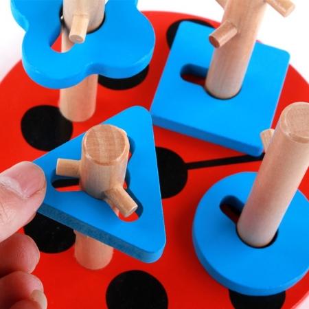 Coloane sortator cu obstacole si baza in forma de buburuza