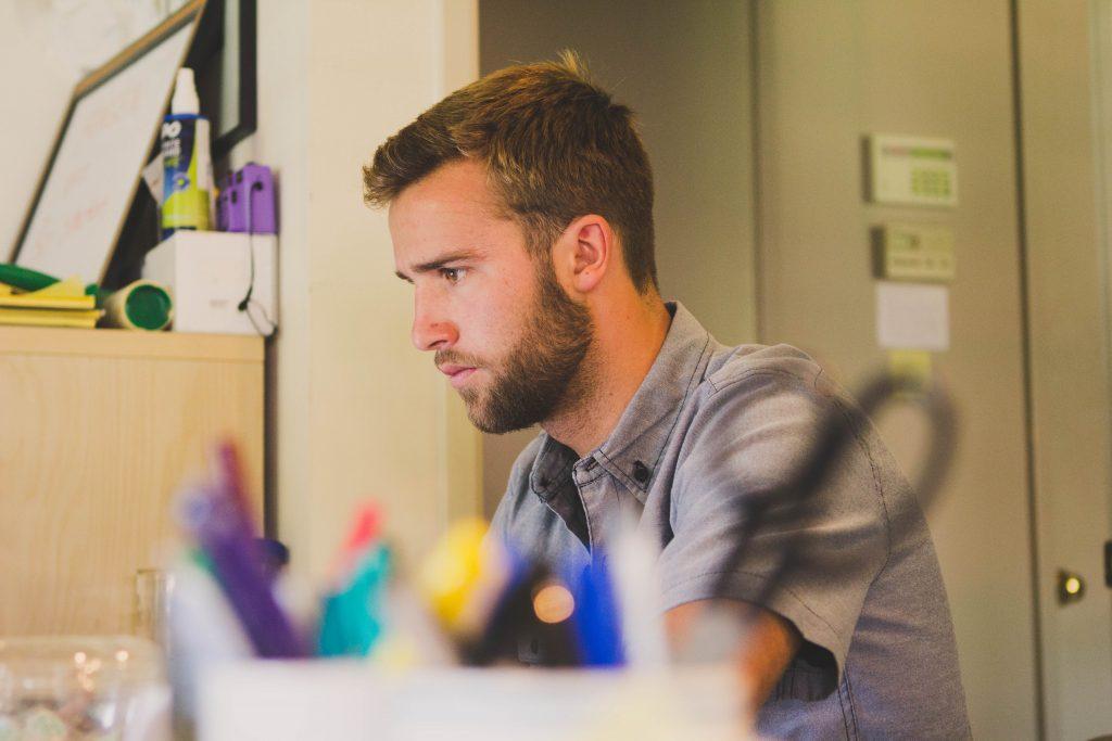 barbat concentrat