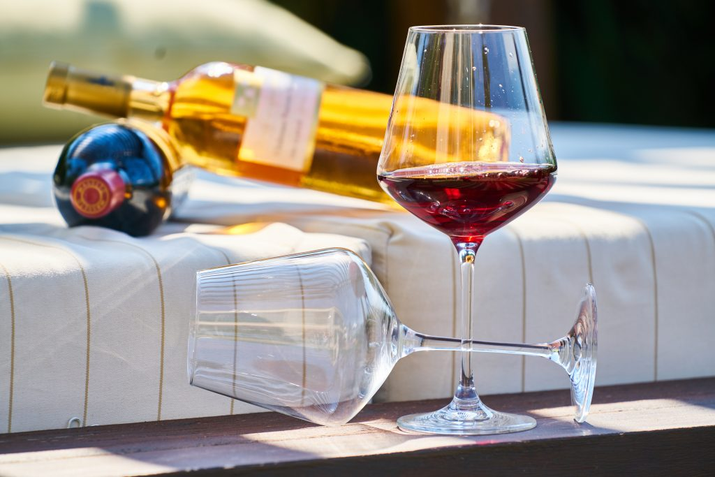 cadouri de baut pahar de vin