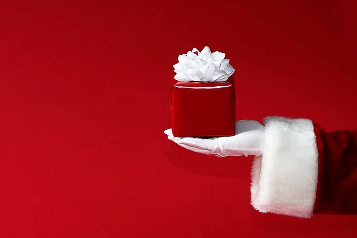 Top 10 cadouri Secret Santa obraznice. Fara perdea. Doar mister