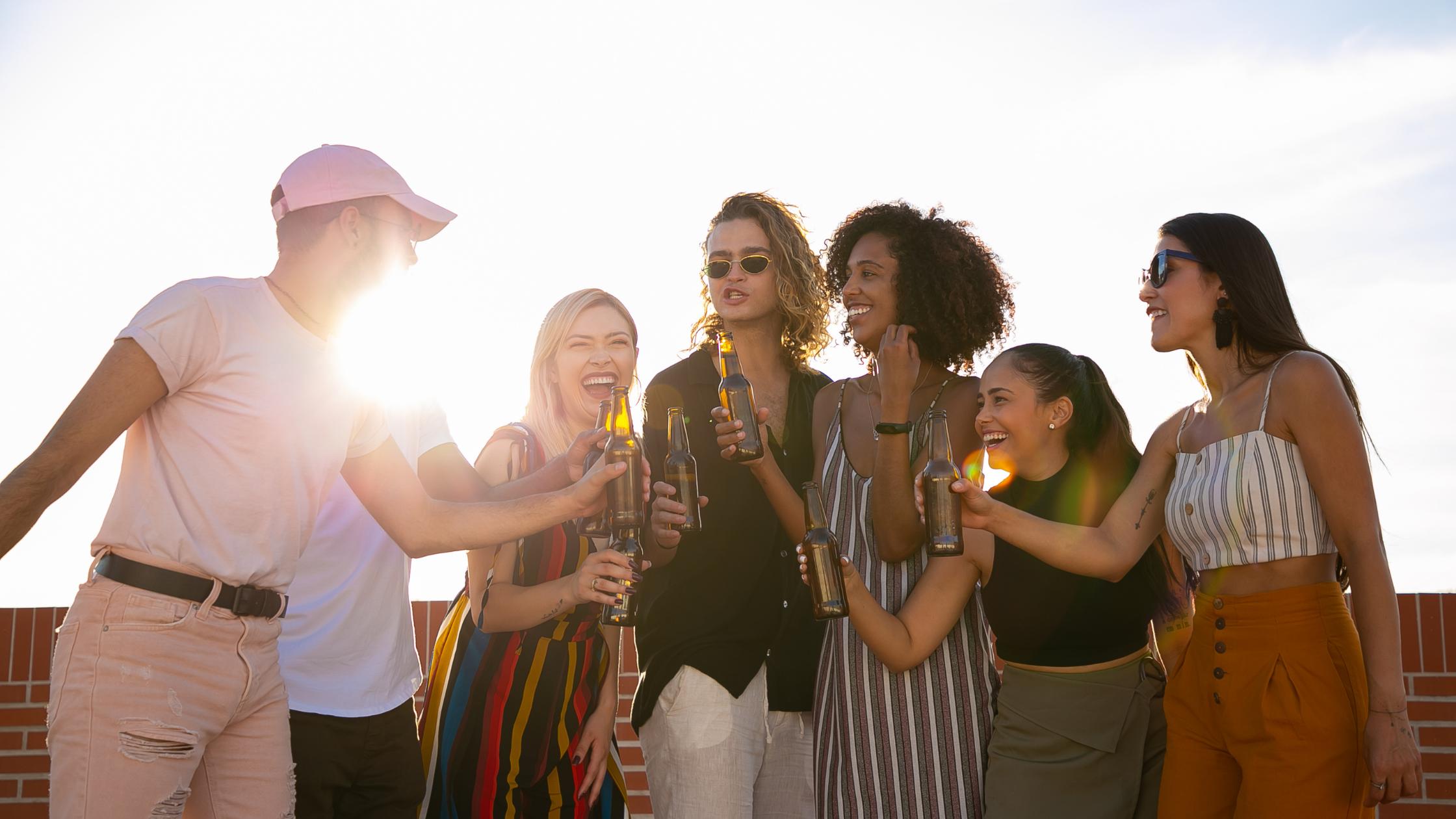Cadouri pentru prieteni - Top 7 Idei sa-i magulesti