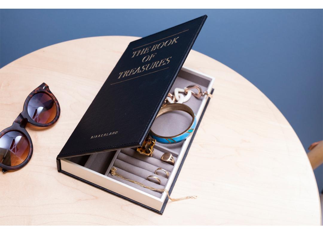 cartea-comorilor
