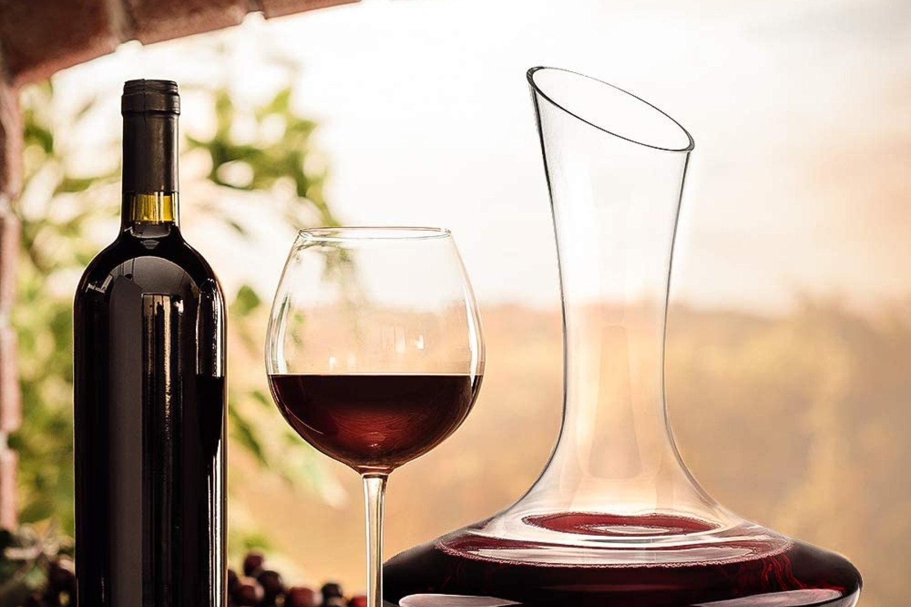 Ce este un decantor vin? Cand si de ce sa-l folosesti?
