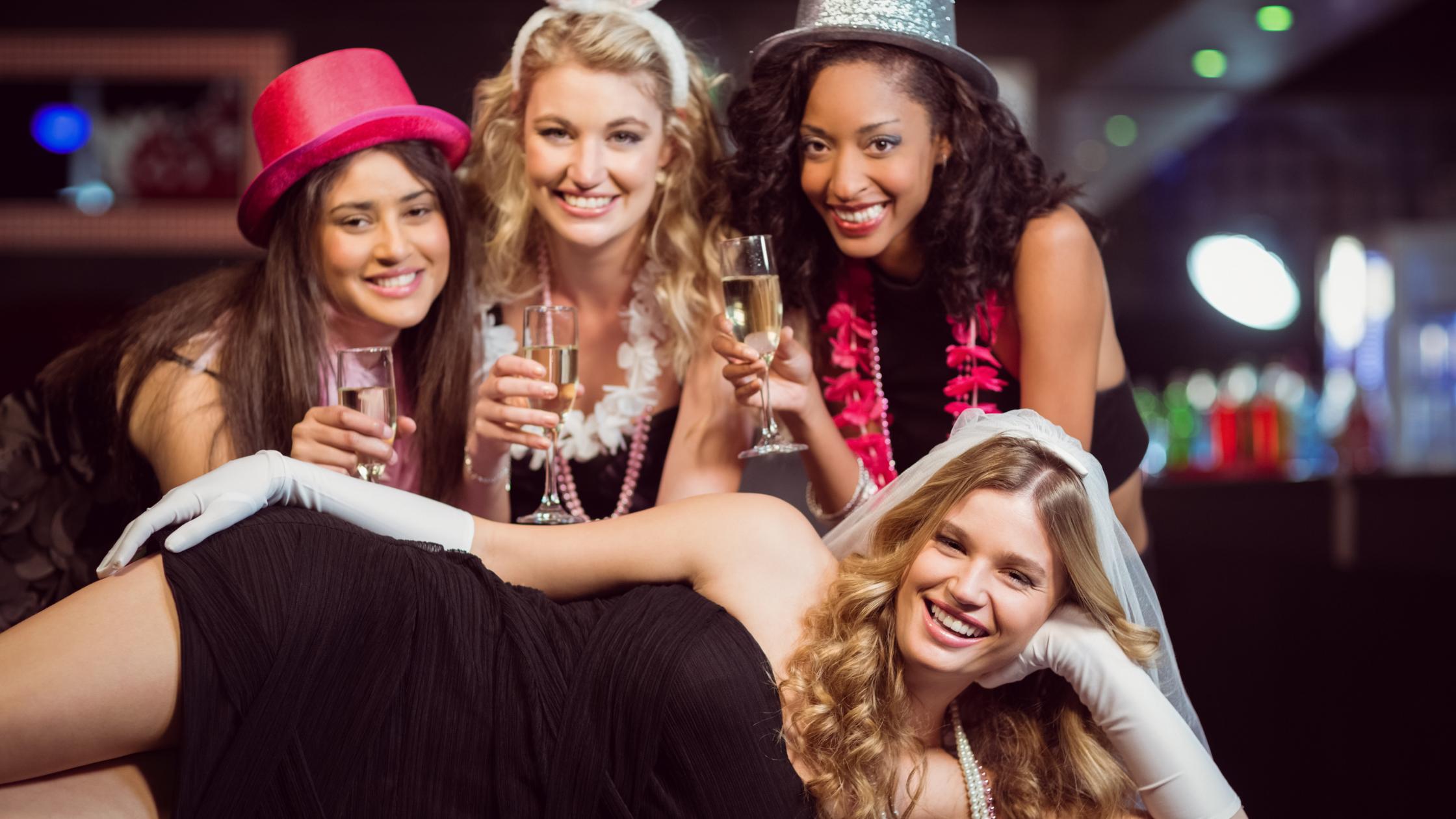 idei petrecerea burlacitelor