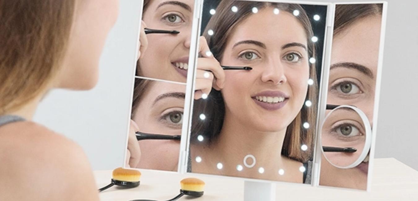 Oglinda Make-up. Cel mai inspirat cadou de frumusete