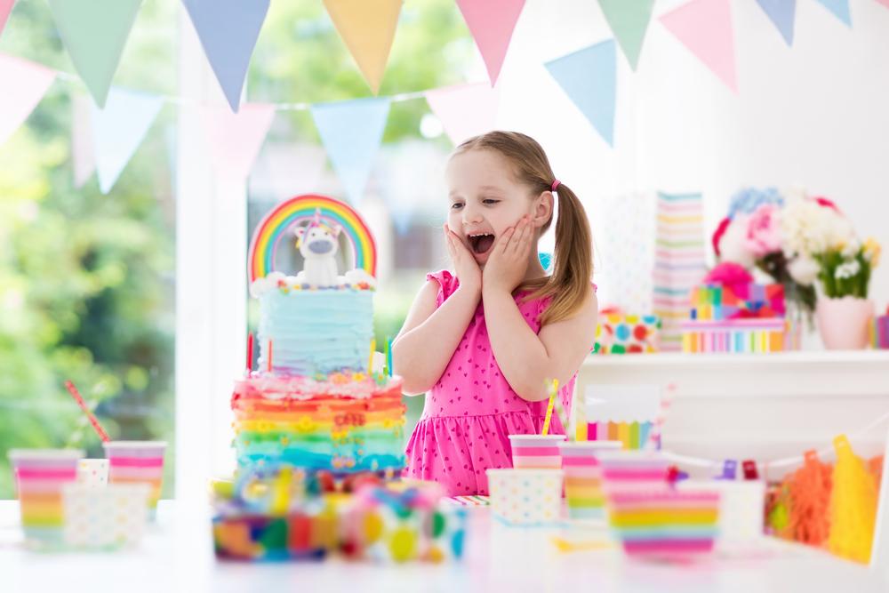 petrecere_copii_tort