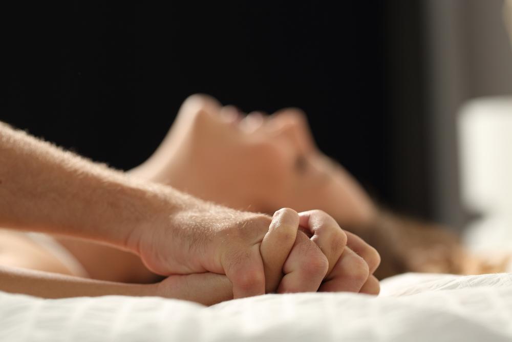 Poziții sexuale noi și incitante, pentru a-ți condimenta viața erotică