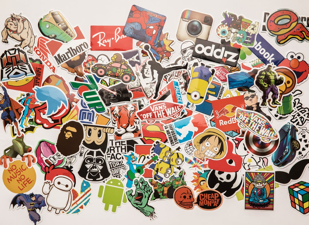 set-100-stickere-laptop-super-eroi