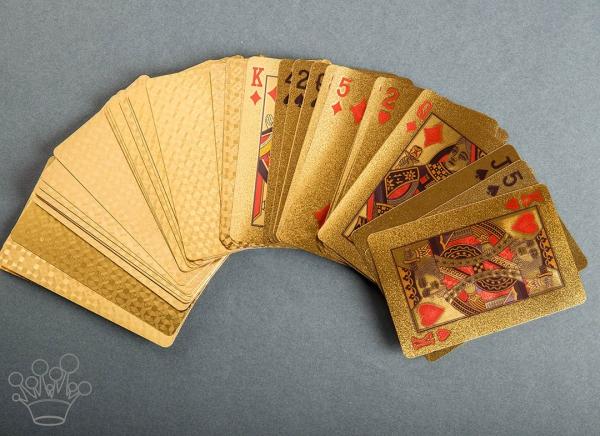 Carti de joc aurite 3