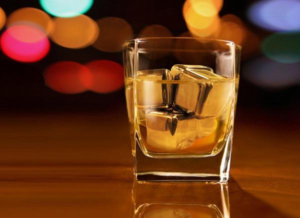 Cuburi din otel pentru whiskey 2