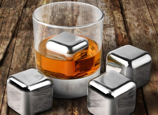 Cuburi din otel pentru whiskey 0