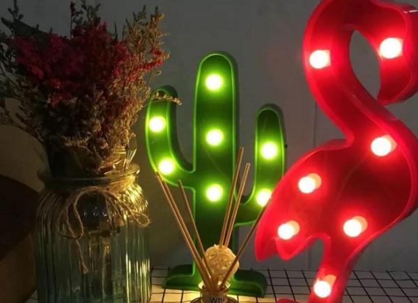 Lampa de Veghe LED Cactus 2