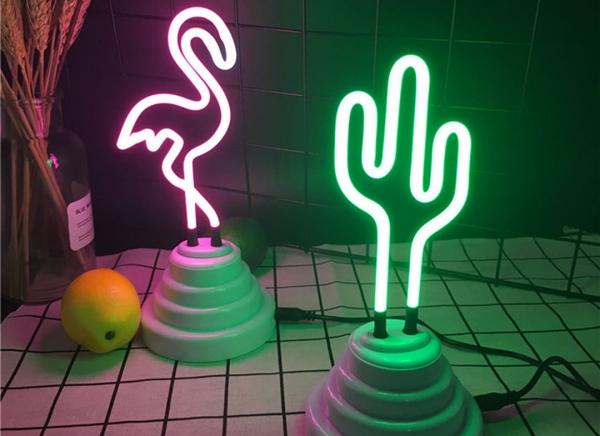 Lampa Neon Cactus 8