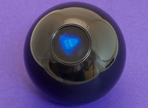 Magic 8 Ball Mingea adevarului 8