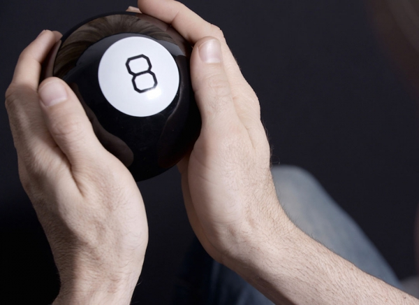 Magic 8 Ball Mingea adevarului 0