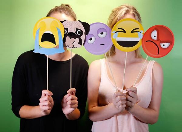 Propsuri Emoji pentru Selfie 3
