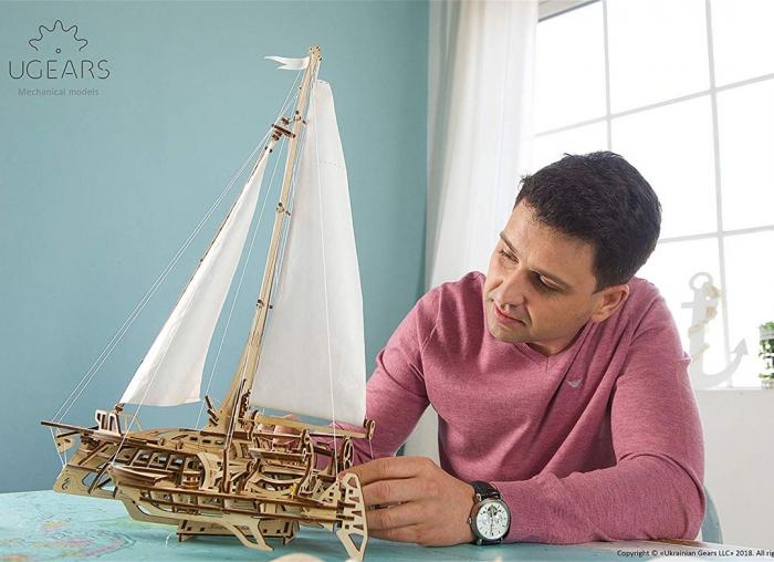 Puzzle 3D Barca Trimaran din lemn Ugears 2