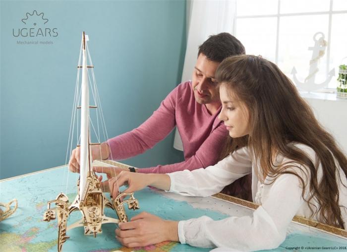 Puzzle 3D Barca Trimaran din lemn Ugears 4
