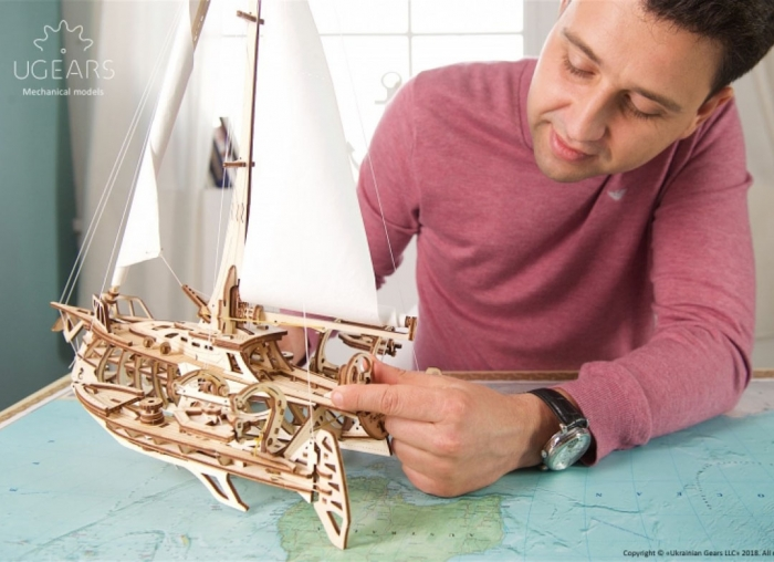 Puzzle 3D Barca Trimaran din lemn Ugears 5