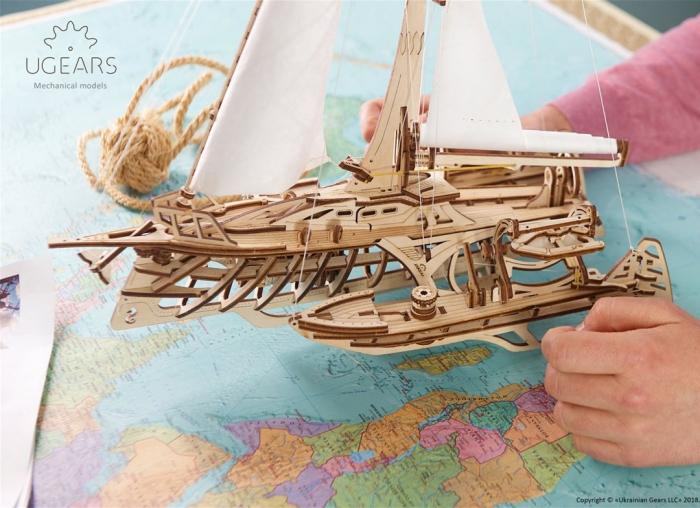 Puzzle 3D Barca Trimaran din lemn Ugears 7