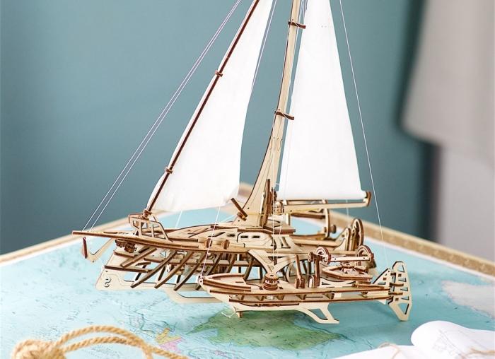 Puzzle 3D Barca Trimaran din lemn Ugears 1