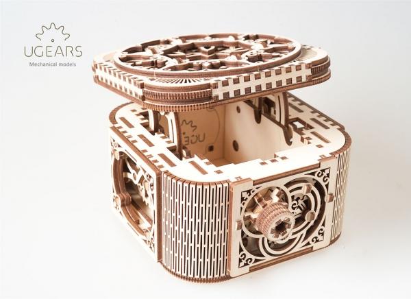 Puzzle 3D Cufar Comori - Model Mecanic din Lemn Ugears 10