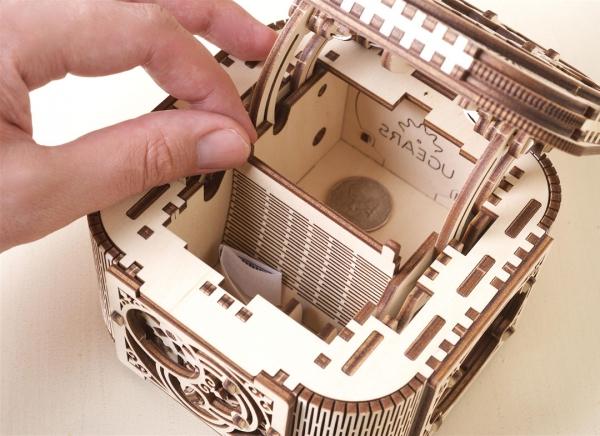 Puzzle 3D Cufar Comori - Model Mecanic din Lemn Ugears 7