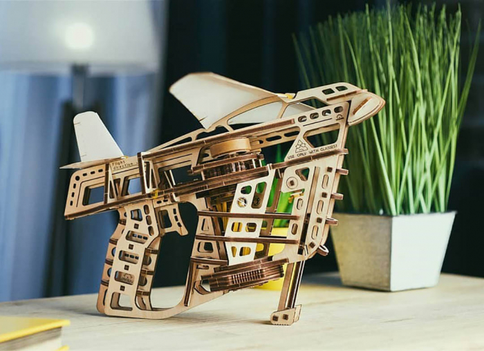 Puzzle 3D Flight Starter din lemn Ugears 1