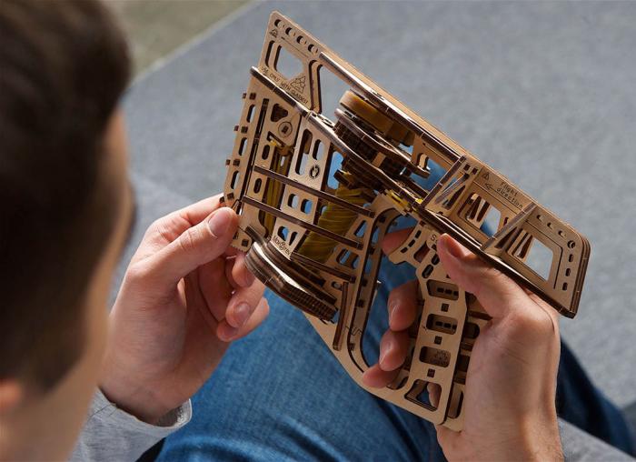 Puzzle 3D Flight Starter din lemn Ugears 8