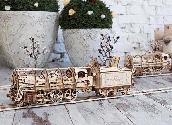Puzzle 3D Locomotiva cu Aburi si Vagon din Lemn Ugears 6