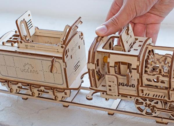 Puzzle 3D Locomotiva cu Aburi si Vagon din Lemn Ugears 20