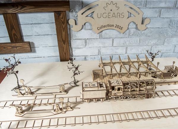 Puzzle 3D Locomotiva cu Aburi si Vagon din Lemn Ugears 15