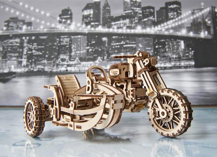 Puzzle 3D Motocicleta Scrambler UGR-10 din lemn Ugears 2