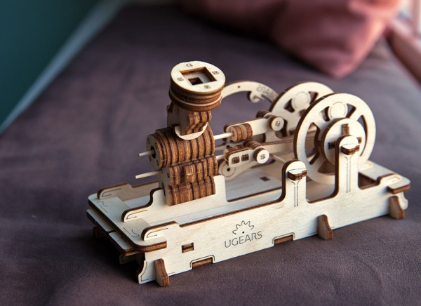 Puzzle 3D Motor Pneumatic din Lemn Ugears 2