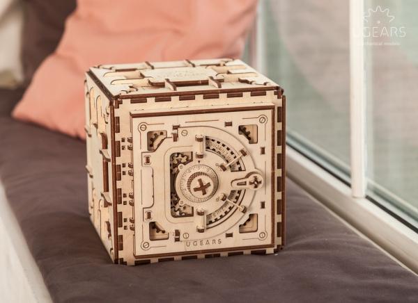 Puzzle 3D Seif din Lemn Ugears 5