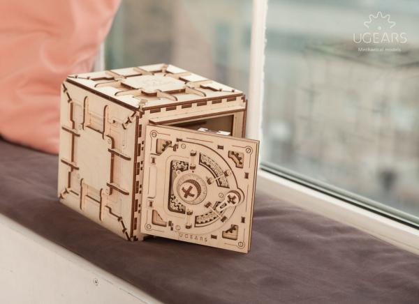 Puzzle 3D Seif din Lemn Ugears 6