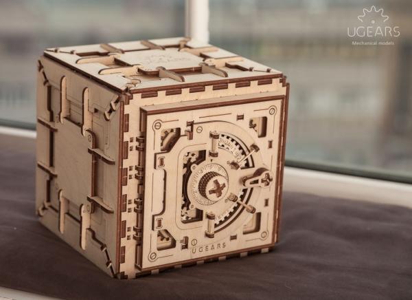 Puzzle 3D Seif din Lemn Ugears 7