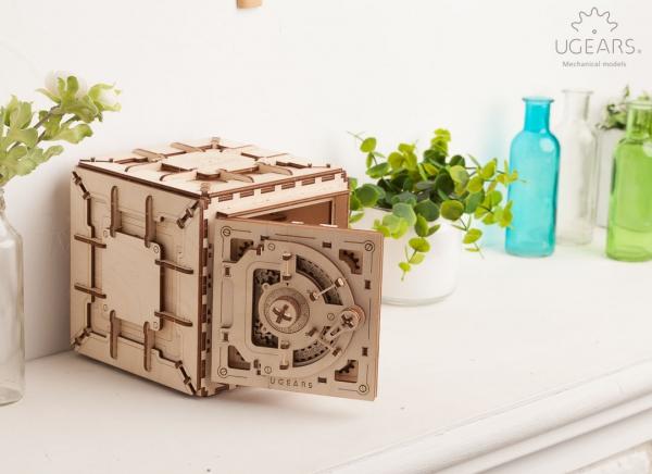 Puzzle 3D Seif din Lemn Ugears 13