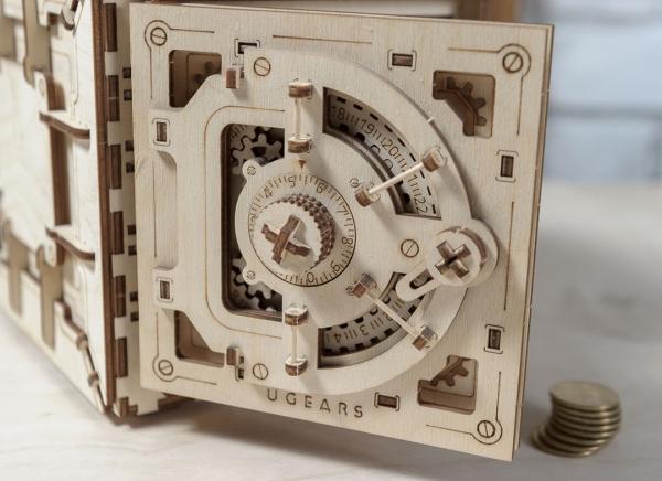 Puzzle 3D Seif din Lemn Ugears 20