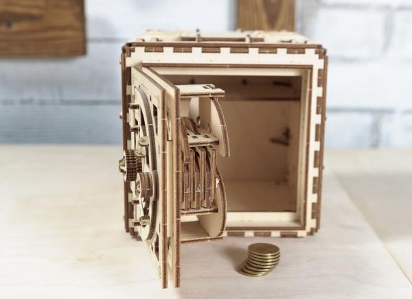Puzzle 3D Seif din Lemn Ugears 21