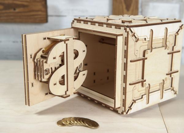 Puzzle 3D Seif din Lemn Ugears 22