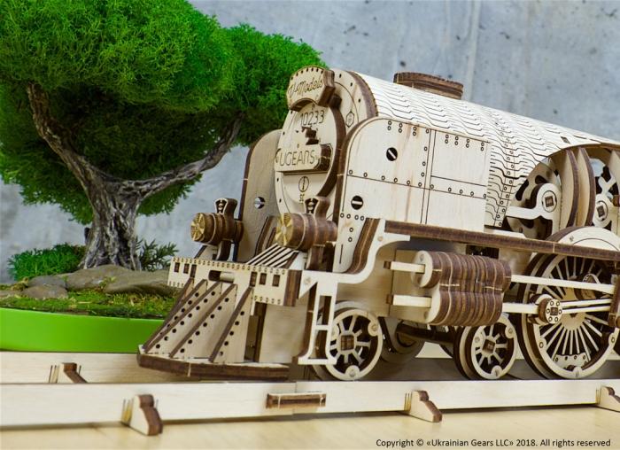 Puzzle 3D Tren V- Express cu abur din lemn Ugears 11