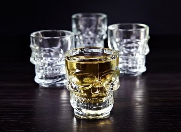 Set 4 pahare shot Craniu 0