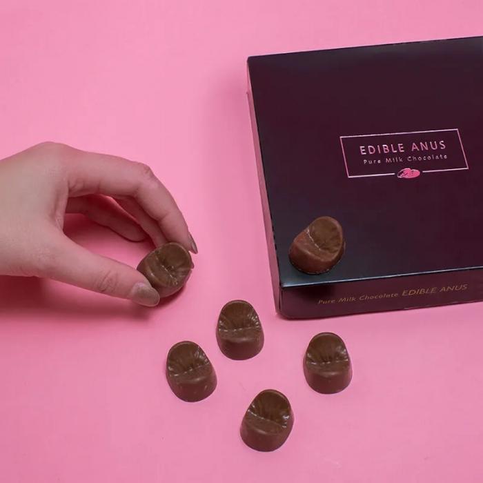 Ciocolata Anus comestibil 2