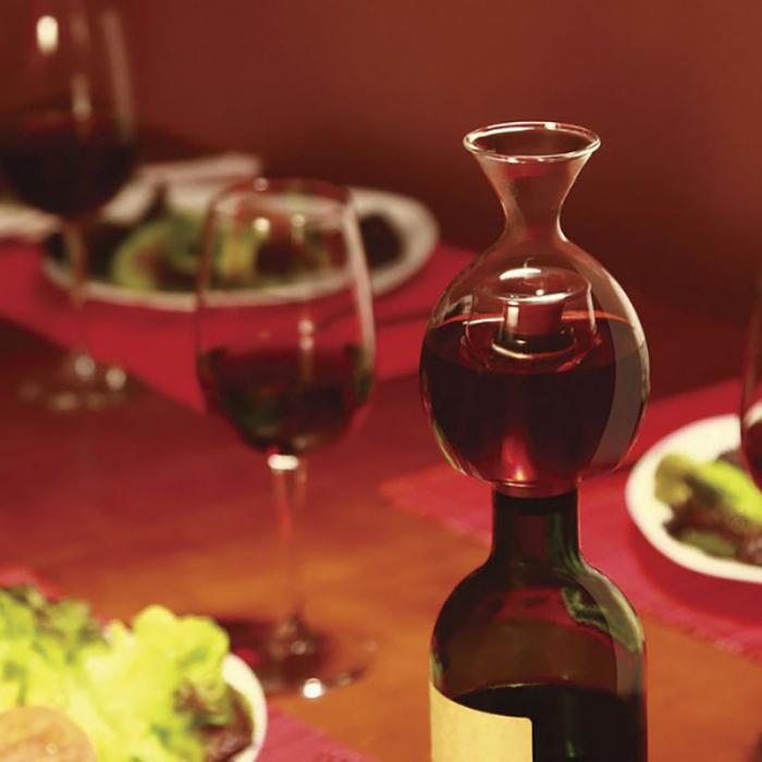 Decantor de vin pe gat de sticla 1